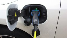 $24 Million partnership to install EV chargers in California