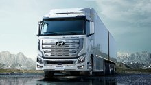 World's first fuel cell heavy-duty truck heads to Europe