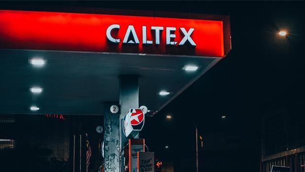 Caltex se une a UberEats para hacer entregas a domicilio