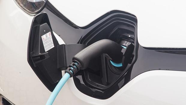 India: EESL e Hindustan Petroleum desarrollarán una infraestructura de carga para vehículos eléctricos