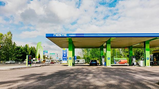 Neste: La empresa finlandesa que quiere llevar diesel renovable al mundo