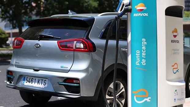 Repsol y Kia se asocian para impulsar la movilidad eléctrica en España
