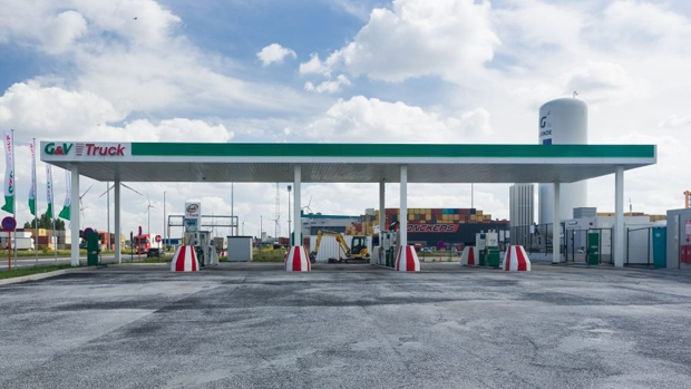 Rolande, G&V open their first LNG station in Belgium