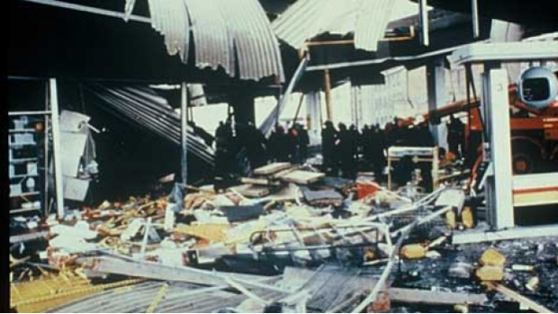 Explosion caused by a leaking pressure system which killed the manager and injured several customers. The incident occurred in 1987 in the Netherlands.
