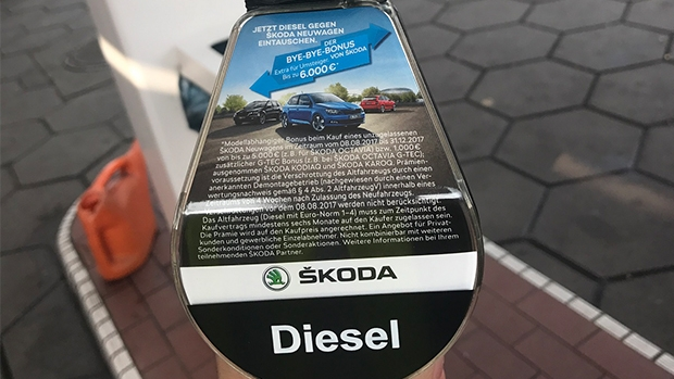 Today, all the big brands advertise at filling stations, among them Skoda.